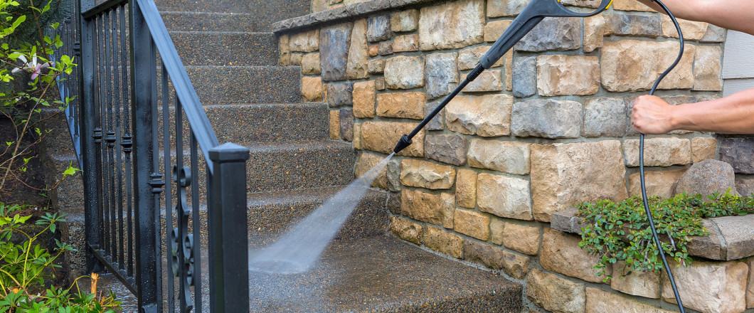 Pressure washing in Evansville & Newburgh, IN